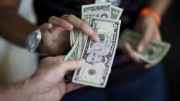 Americká ekonomika sa zhoršuje, dopláca tak na obchodnú vojnu
