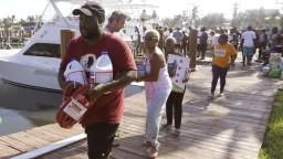 Bahamy sa spamätávajú z hurikánu, pomoc potrebujú desaťtisíce ľudí