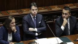 Conte v snahe zachrániť svoj kabinet sľubuje lepšiu spoluprácu s EÚ
