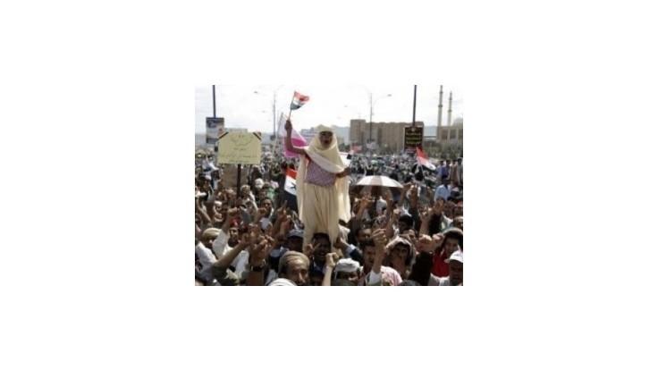 Jemenské vládne jednotky viedli intenzívne boje s opozičnými silami v metropole