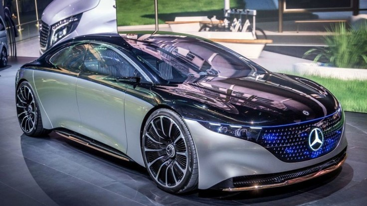 Mercedes-Benz EQS ako luxusná odpoveď na Teslu a Taycan