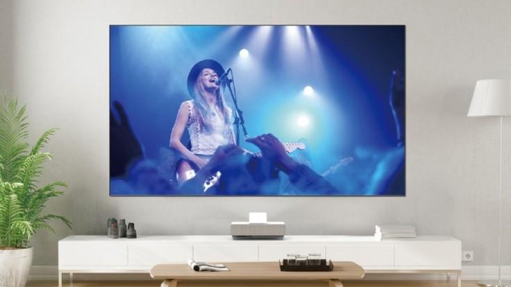 Laserový projekčný TV systém Epsonu LS500 potláča okolité osvetlenie