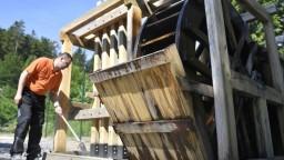 Gelničania v snahe prilákať turistov zostrojili unikátny pochwerk