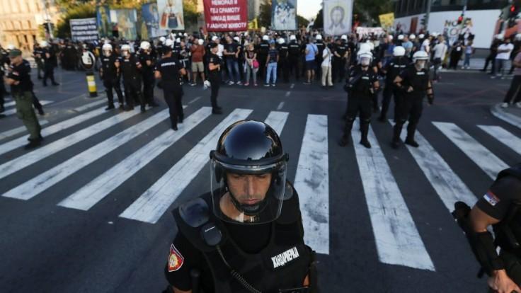 Dúhový pochod prerušila krajná pravica, musela zasiahnuť polícia
