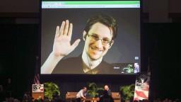 Snowden žije v ruskom exile, francúzskeho prezidenta žiada o azyl
