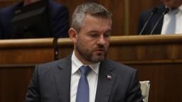 Pellegrini zostáva premiérom, opozícia nenašla dosť hlasov