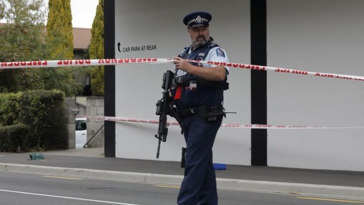 Facebook rozpozná videá s reálnou streľbou, pomôžu mu policajti