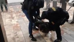 Polícia vypátrala, kto na zápase Slovan - Spartak napadol hráča