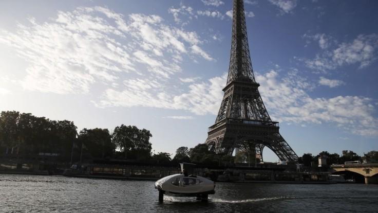 Fotogaléria: Po Paríži uháňa nový taxík, nazvali ho morská raketa