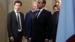 Migrantov si bude EÚ prerozdeľovať automaticky, tvrdí Macron