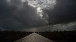 Humberto sa priblížil k Bermudám, väčšina územia je bez elektriny
