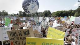 Bojujú za planétu. Do klimatického štrajku sa zapojilo 150 krajín