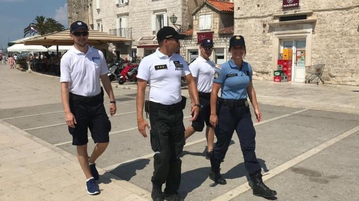 Policajti na misii v Chorvátsku riešili aj viacero úmrtí Slovákov