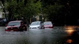 V Texase bojujú s veľkými záplavami, voda si už vyžiadala obete