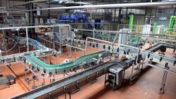 Európske firmy bojujú s problémami, klesá výroba aj objednávky