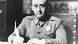 Pozostatky španielskeho diktátora odstránia zo štátneho mauzólea