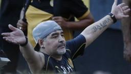 Futbalový tím legendárneho Maradonu opäť prehral