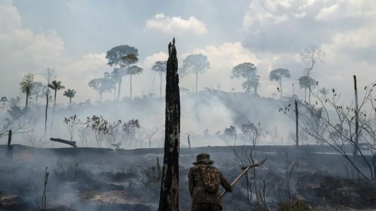 Médiá klamú, tvrdí Bolsonaro o požiaroch v amazonskom pralese