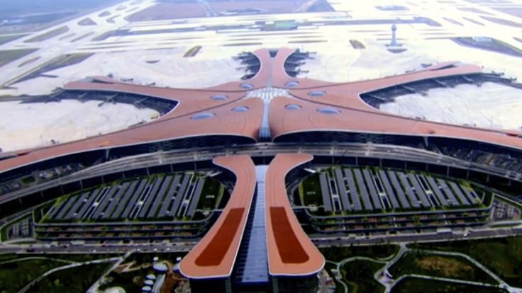 V Číne otvorili nové letisko, pod ním je vlaková stanica aj metro