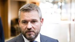 Premiér zvoláva mimoriadnu vládu, osud reformy je nejasný