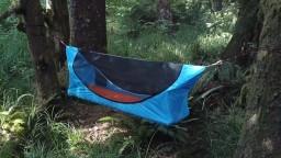 Visuté lôžko s rovnou plochou prinesie pokojnejší spánok v prírode