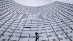 Francúzsky Spiderman pokoril ďalší mrakodrap, trvalo to 20 minút