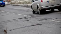 Na južnom Slovensku opravia viacero úsekov ciest