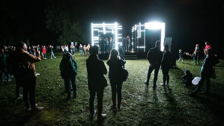 Prelomový ročník. Bielu noc v Bratislave videlo 200.000 ľudí