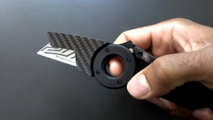 Magnetický nôž z uhlíkových vlákien s ľahkou výmenou čepelí