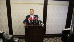 Harabin sa vracia do politiky, do volieb ide so stranou Vlasť