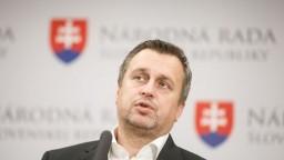Porušil koaličnú dohodu a robil si PR, reagoval Danko na premiéra