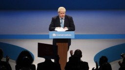 Johnson prezradil brexitové plány, podľa Junckera nastal posun