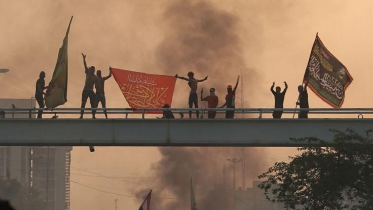 Na protestoch zomierajú Bagdadčania, nariadili zákaz vychádzania
