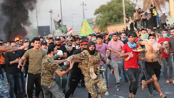 Začali strieľať do demonštrantov. Na uliciach v Iraku tečie krv
