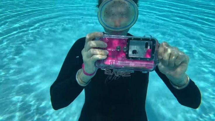Univerzálne puzdro, ktoré premení váš smartfón na podvodnú kameru