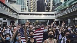 Hongkong zakázal masky, protestujúci zákon rešpektovať nebudú