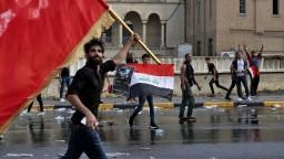 Irak protestuje proti korupcii a sociálnemu úpadku. Obetí pribúda
