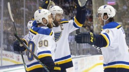 NHL: Úradujúci víťaz na ľade opäť triumfoval, skóroval kapitán