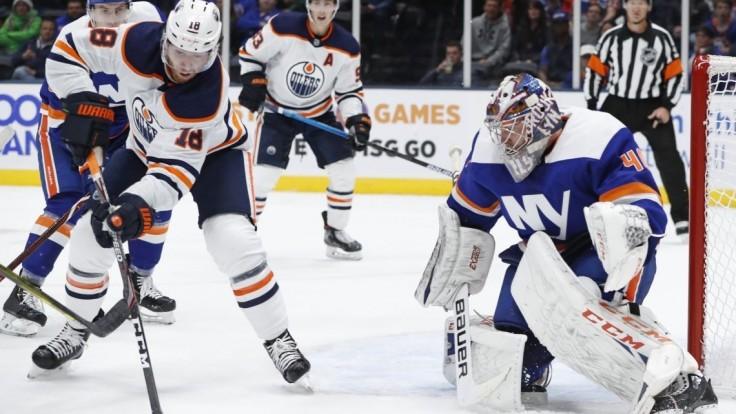 NHL: Na ľade hviezdil štvorgólový Neal, Jurčo si pripísal asistenciu