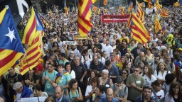 Do Katalánska posielajú stovky policajtov, očakávajú demonštrácie