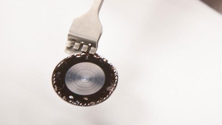 Ultra tenká optická šošovka môže viesť k ešte tenším smartfónom