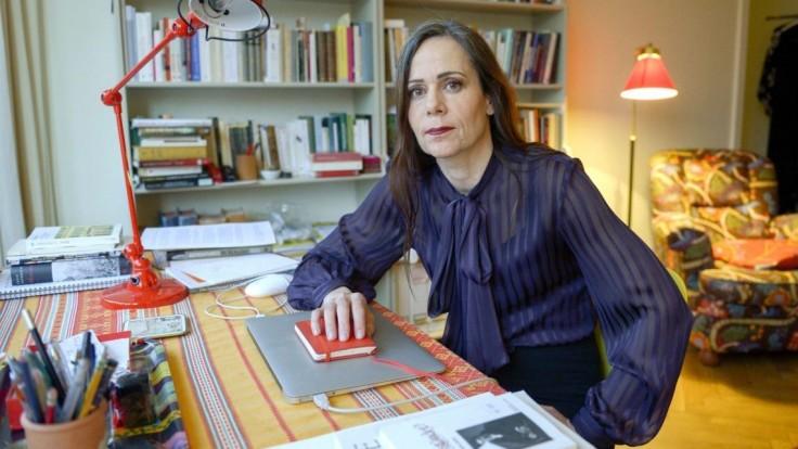 Zomrela Sara Daniusová. Odstúpila po škandále s Nobelovkami