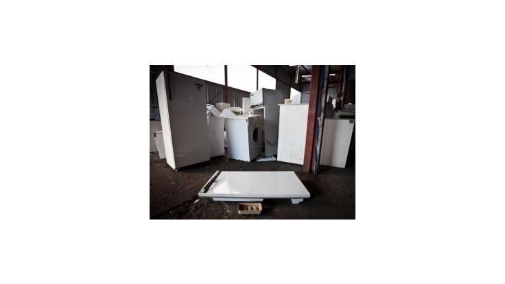 Taliani plánujú oživiť výrobu chladničiek v areáli Calexu