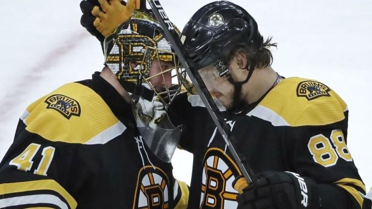 NHL: Halák sa podieľal na výhre Bostonu, český útočník hviezdil
