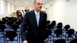 Trnka po nahrávke nemôže vykonávať funkciu, tvrdí Rada prokurátorov