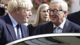 Británii a EÚ sa konečne podarilo dosiahnuť dohodu o brexite