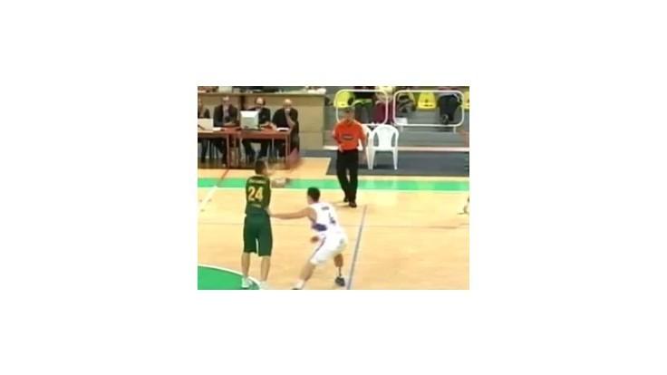 Basketbalisti Levíc doma zvíťazili suverénne 87:67