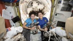 Do vesmíru vystúpili prvýkrát iba ženy, misia trvala hodiny