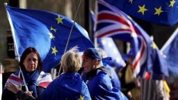 Opustí Británia EÚ bez dohody? Osud brexitu je v rukách parlamentu