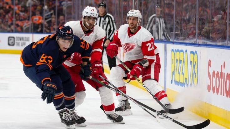 NHL: Jurčo pri ďalšej výhre Oilers, Edmonton kraľuje celej súťaži